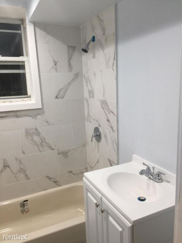 18400 Midland Parkway, Fresh Meadows, NY - 1,500 USD/ month
