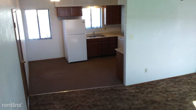S. 4th. St., Gallup, NM - 900 USD/ month