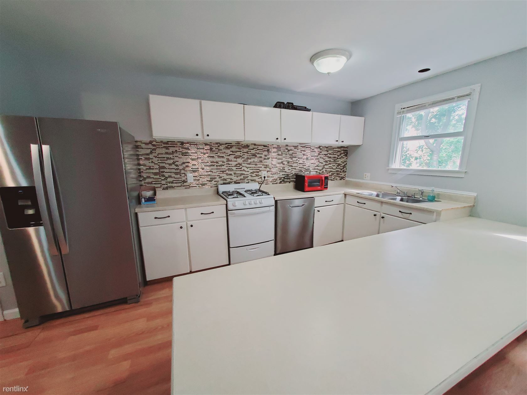 57 Anderson St, Stamford, CT - 2,300 USD/ month