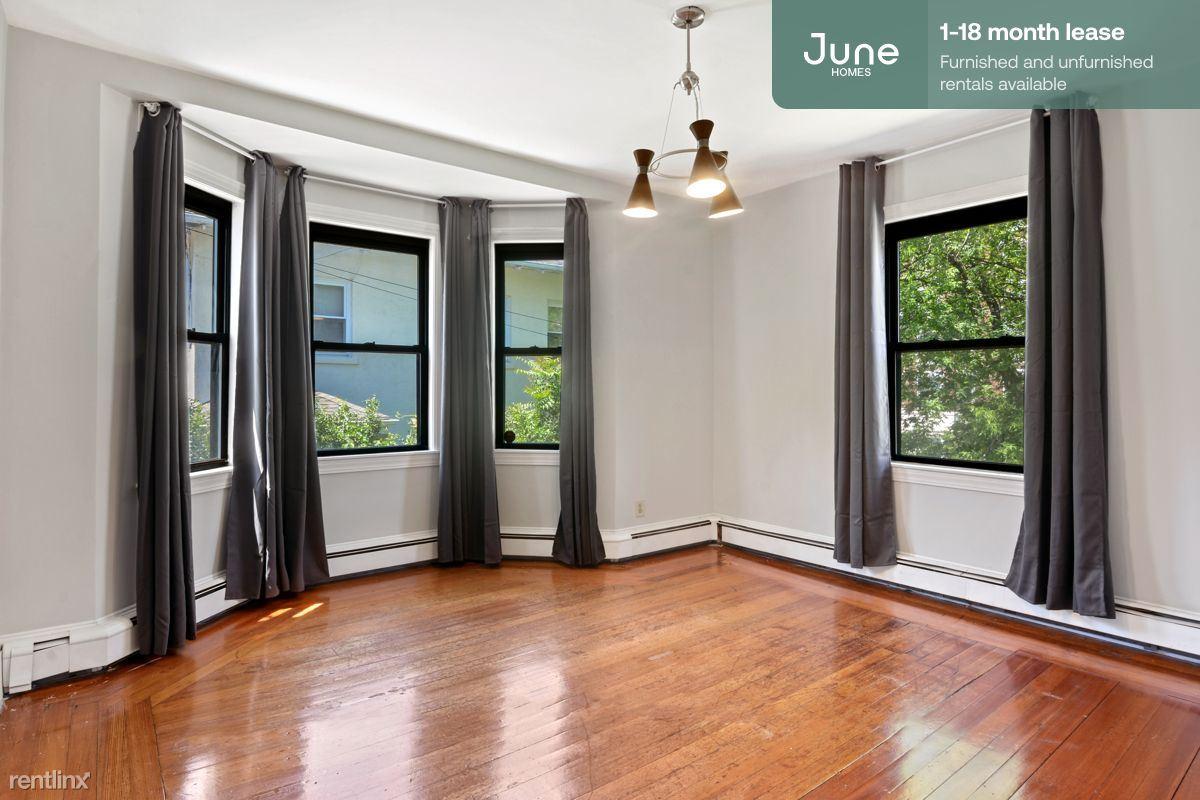 132 Chiswick, Boston, MA, 02135, Boston, MA - 1,025 USD/ month