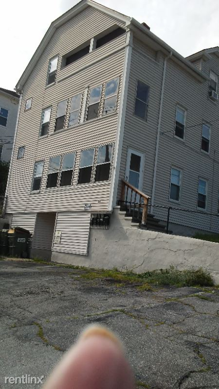 24 Brandon Rd 3 Front, Dudley, MA - 1,200 USD/ month