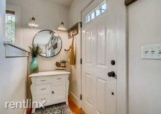 5810 NE 6th Ave, Portland, OR - 900 USD/ month
