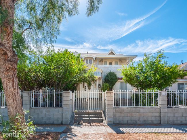 1137 N Berendo St, Los Angeles, CA - 1,650 USD/ month