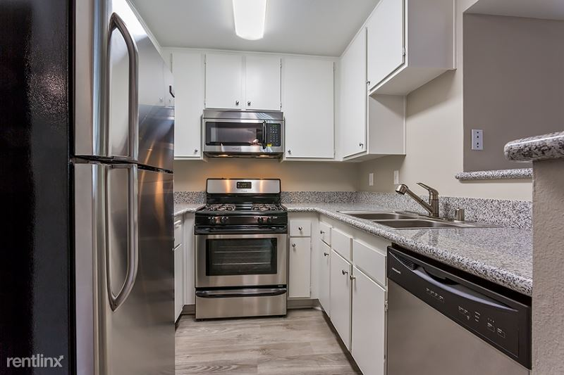 12420 Woodgreen Street, Los Angeles, CA - 3,025 USD/ month
