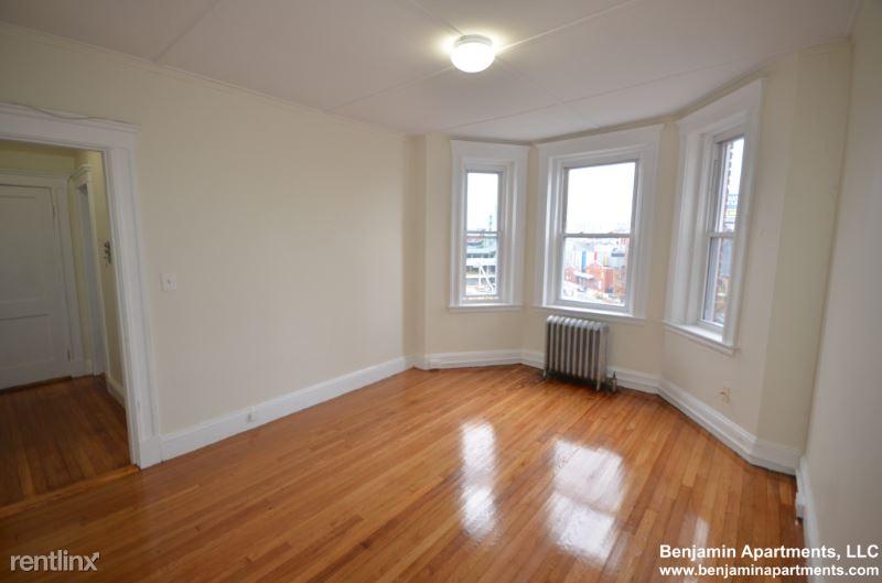 1175 Boylston St 045, Boston, MA - 1,625 USD/ month