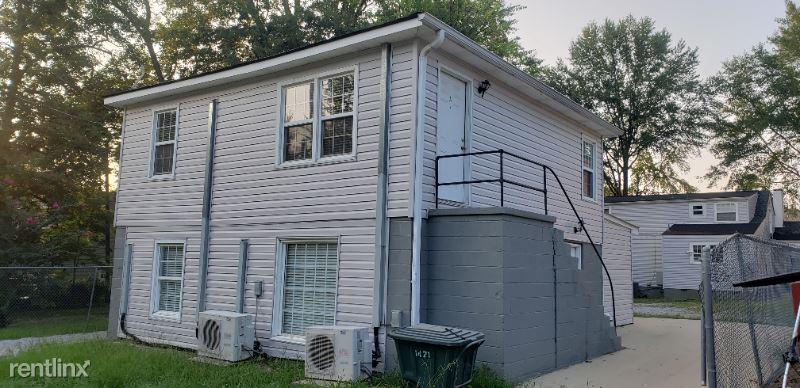 1215 12th St 1/2 B, Tuscaloosa, AL - 1,250 USD/ month
