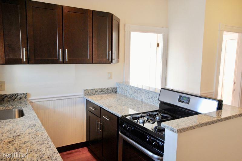 119 Lexington #3R, Boston, MA - 2,150 USD/ month