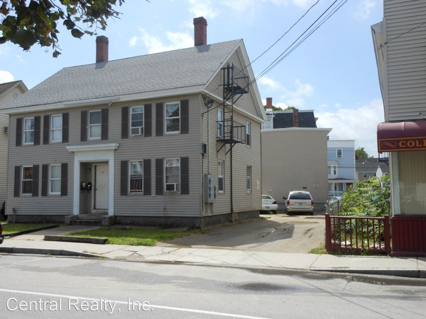 61 Temple St, Nashua, NH - 1,000 USD/ month