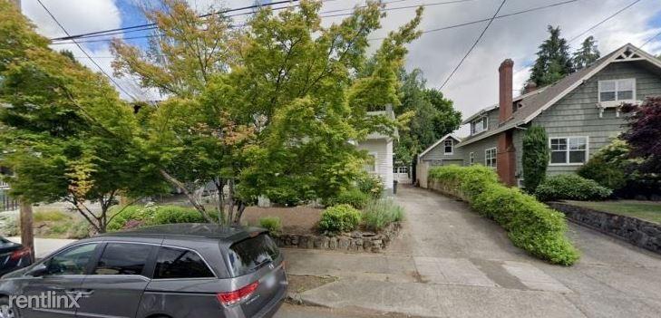 3115 NE Schuyler St, Portland, OR - 199 USD/ month