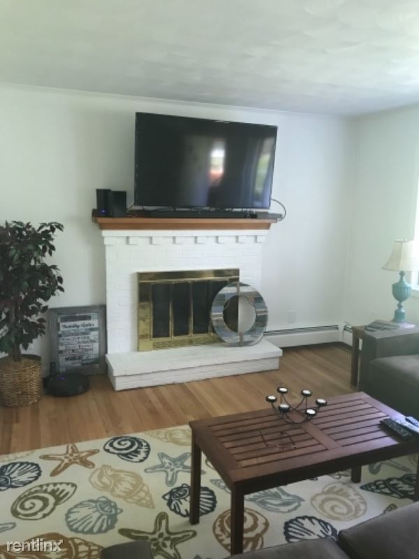 204 E Grand Ave, Old Orchard Beach, ME - 3,000 USD/ month