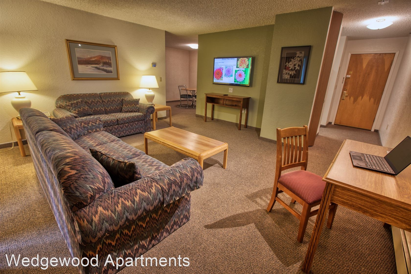 405 Wedgewood Dr. Unit 25-36 - 1600USD / month