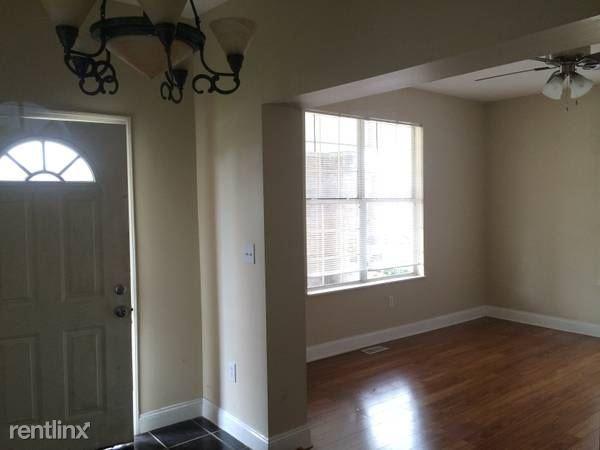 1530 3rd Ave Apt 1, Huntington, WV - 1,000 USD/ month