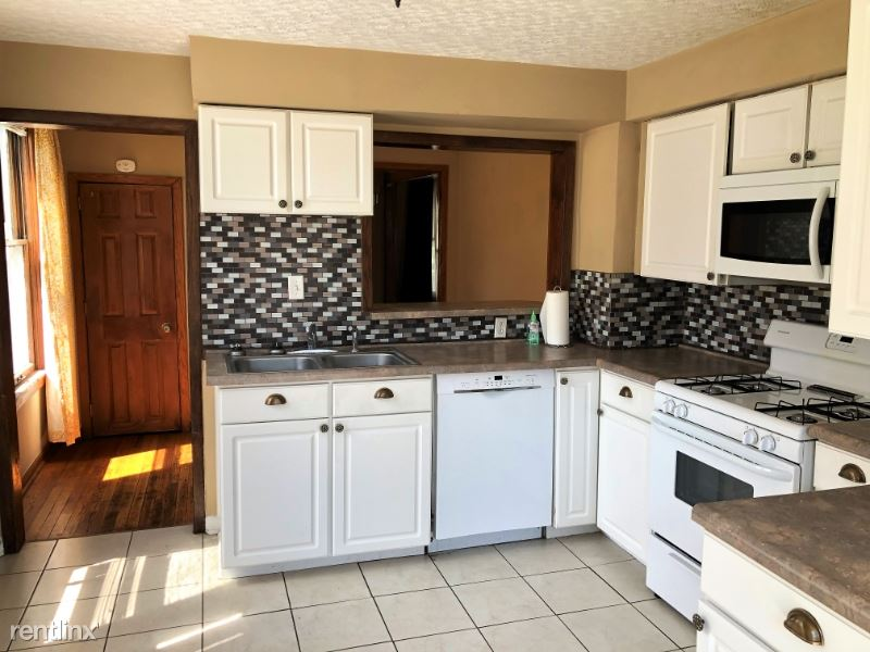 3509 Howard St - 1950USD / month