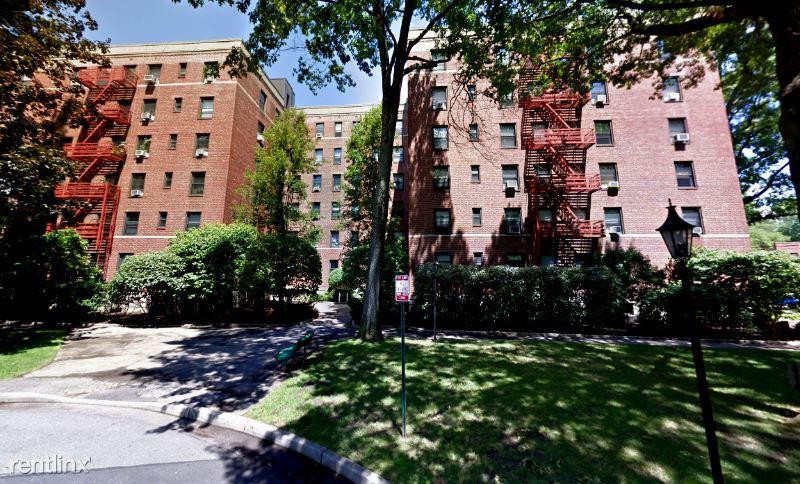 812 Larchmont Acres D, Larchmont, NY - 1,850 USD/ month