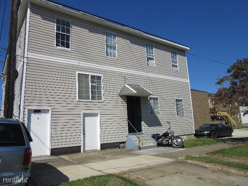 319 4th St, Huntington WV 4, Huntington, WV - 325 USD/ month