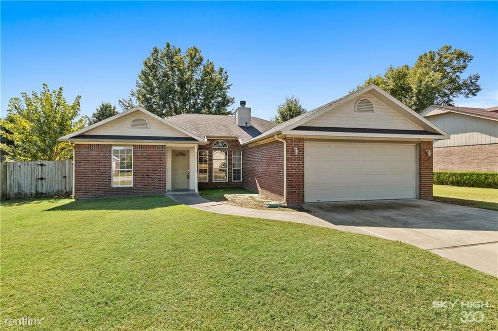2802 West Sunset Drive, Rogers, AR - 1,100 USD/ month