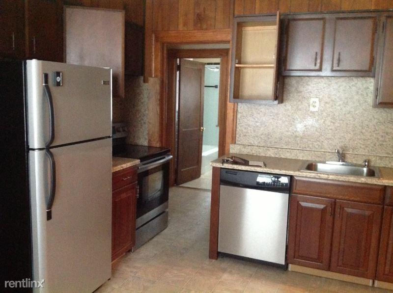 24 Vincent St, West Hartford, CT - 1,800 USD/ month