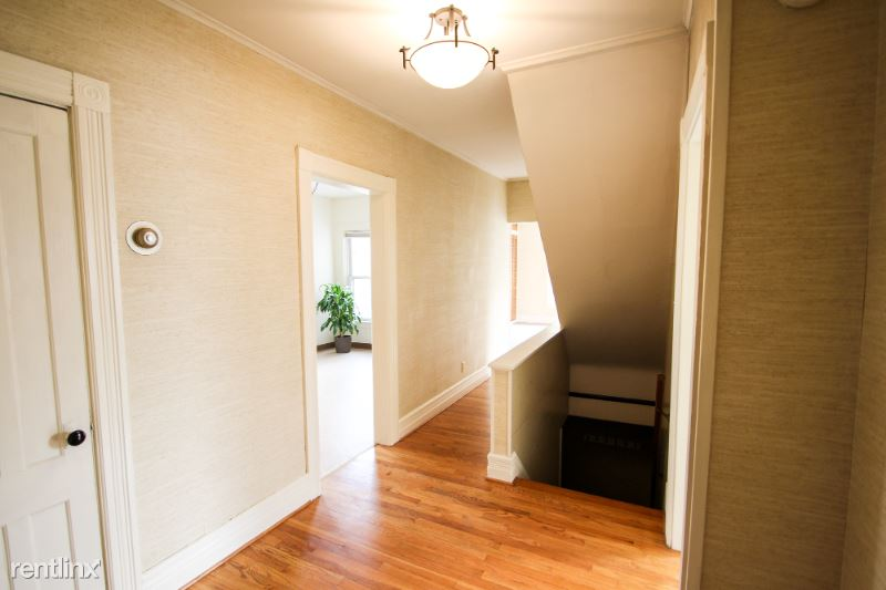 W NOTRE DAME ST, Glens Falls, NY - 1,200 USD/ month