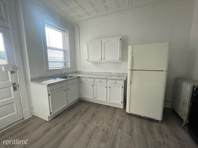 3245 Rothpletz St, Pittsburgh, PA - 925 USD/ month