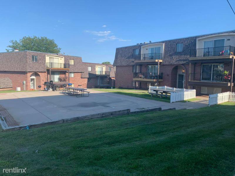 12130 Anne St, Omaha, NE - 725 USD/ month