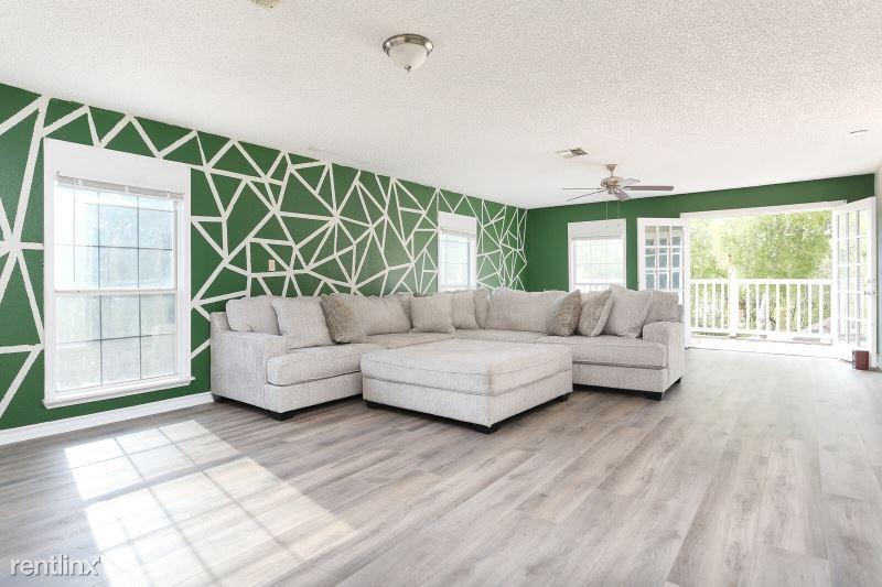 1710 Donaldson Ave, San Antonio, TX - 700 USD/ month