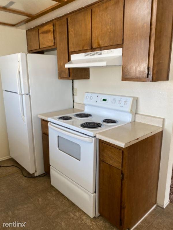 3653 Wendell Ave D, Bullhead City, AZ - 885 USD/ month