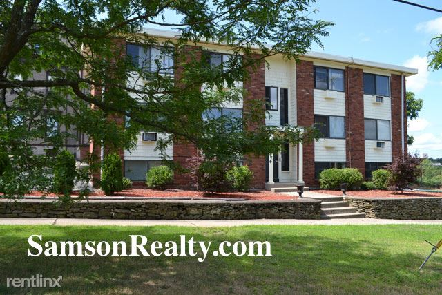25 Waterman Ave 2, East Providence, RI - 950 USD/ month