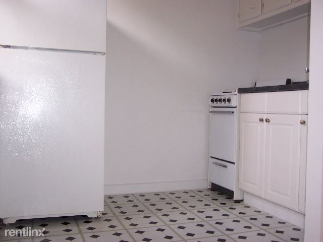 Cooper Dr, New Rochelle, NY - 1,595 USD/ month