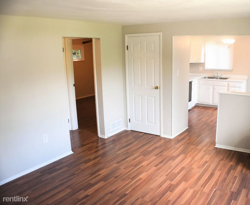 164 Pointview Rd, Pittsburgh, PA - 925 USD/ month