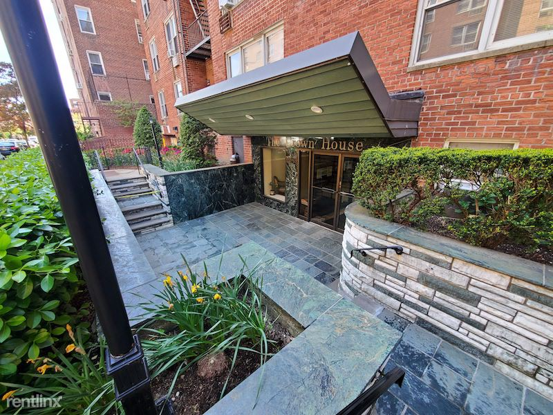 11048 72nd ave, Forest Hills, NY - 2,150 USD/ month