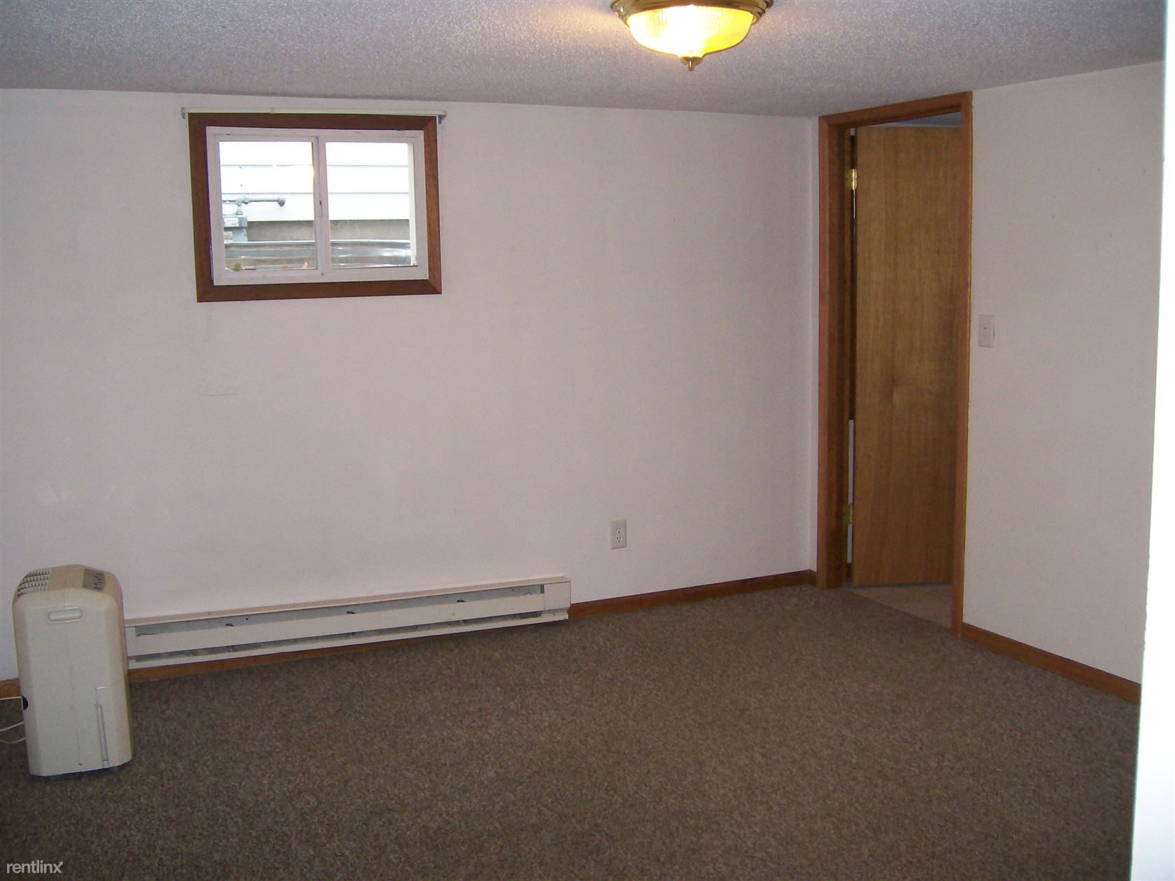 519 N 6th St Apt 3, Grand Forks, ND - 450 USD/ month
