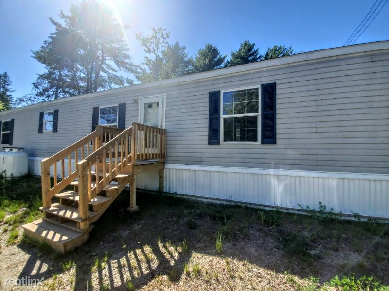 County Rd, Milford, ME - 1,100 USD/ month