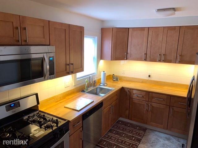 5 Eclipse Ave #1 First Floor, Norwalk, CT - 2,250 USD/ month