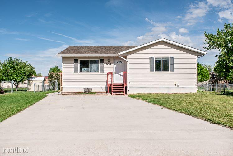 4824 Johnston Dr, Rapid City, SD - 1,725 USD/ month
