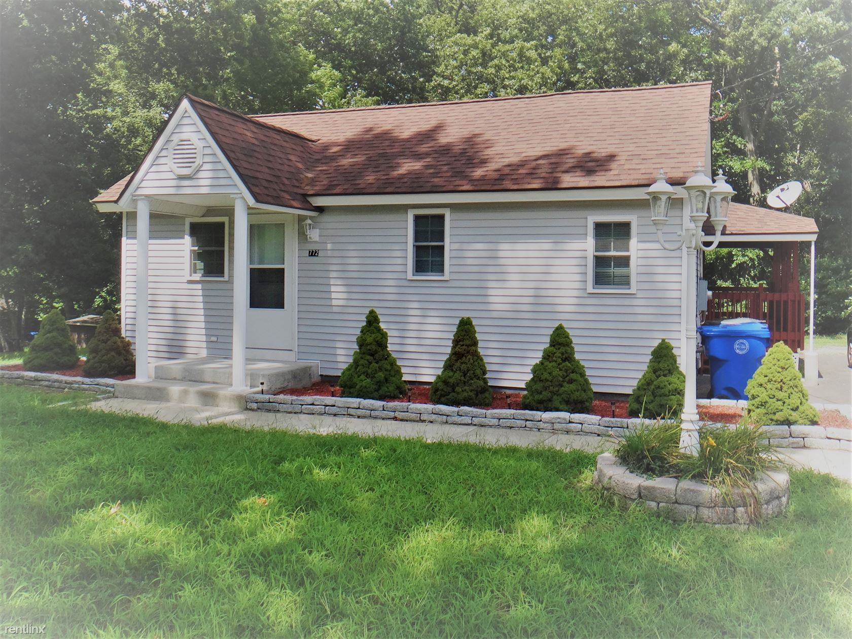 772 Goodwin St, East Hartford, CT - 1,495 USD/ month