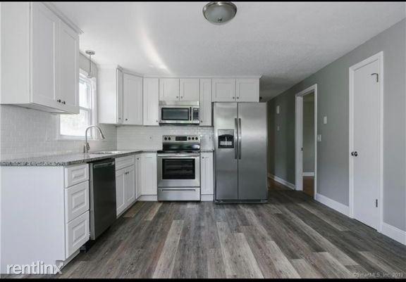 Farmington Ave, New Britain, CT - 1,700 USD/ month