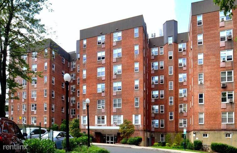 120 Pelham Rd 6C, New Rochelle, NY - 2,750 USD/ month