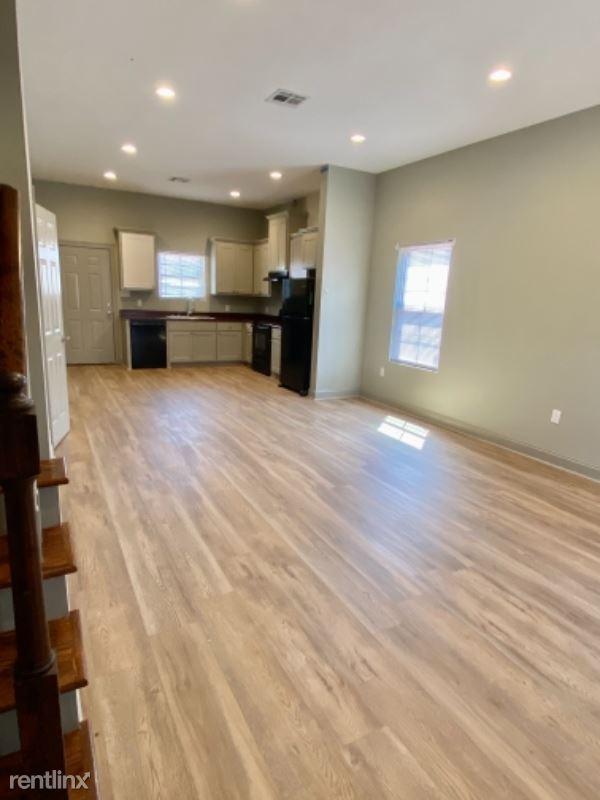 2094 Smith Rd B, Lake Charles, LA - 1,600 USD/ month