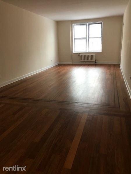 55-28 98t street, Corona, NY - 2,400 USD/ month