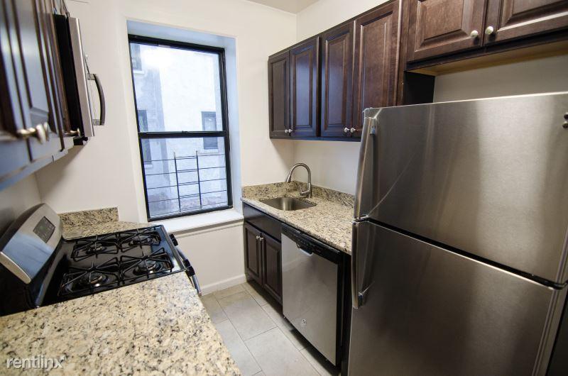 3618 Parsons Blvd, Flushing, NY - 1,700 USD/ month