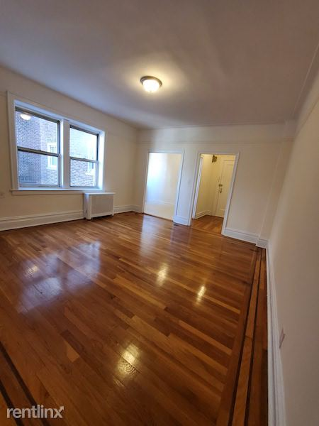 7744 Austin St, Forest Hills, NY - 2,550 USD/ month