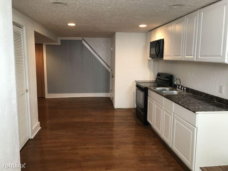 464 Natchez St 2, Pittsburgh, PA - 900 USD/ month