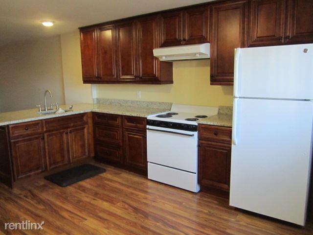 34 Horton St, Stamford, CT - 1,400 USD/ month