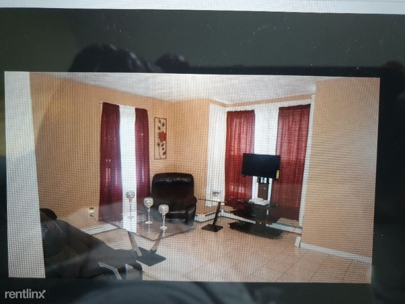 146 Stanwood St 2 - 1350USD / month