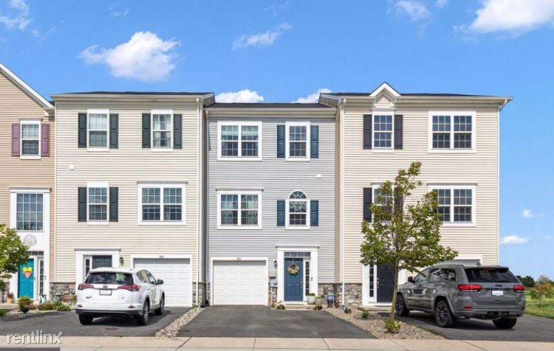 971 Lissicasey Loop, Middletown, DE - 2,200 USD/ month