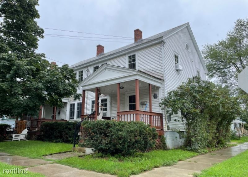 41 Harrison Ave - 2700USD / month