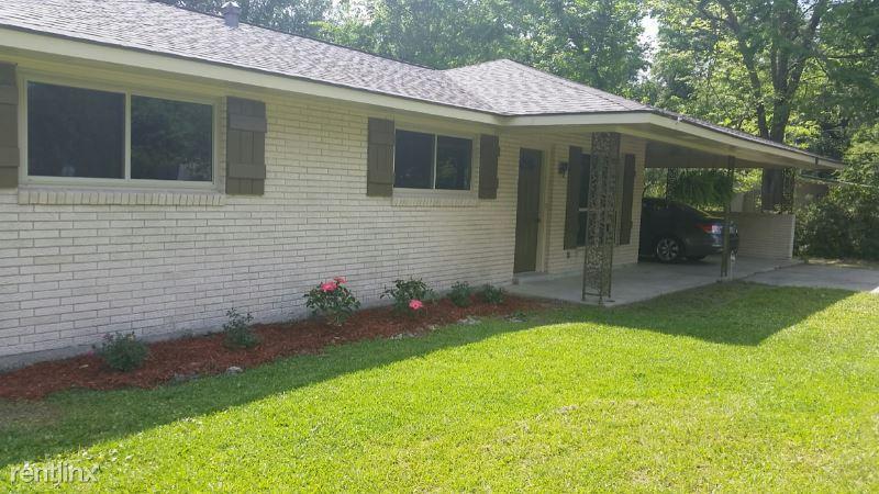 5574 Houston Dr, Baton Rouge, LA - 1,500 USD/ month