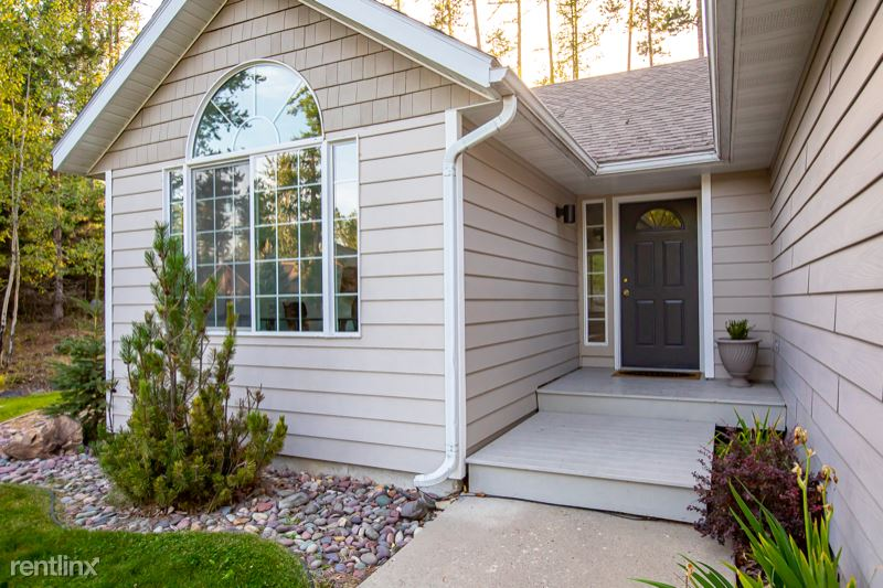 1018 Mountain Park Dr, Whitefish, MT - 3,200 USD/ month