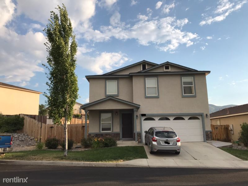 Red Baron Blvd, Reno, NV - 650 USD/ month