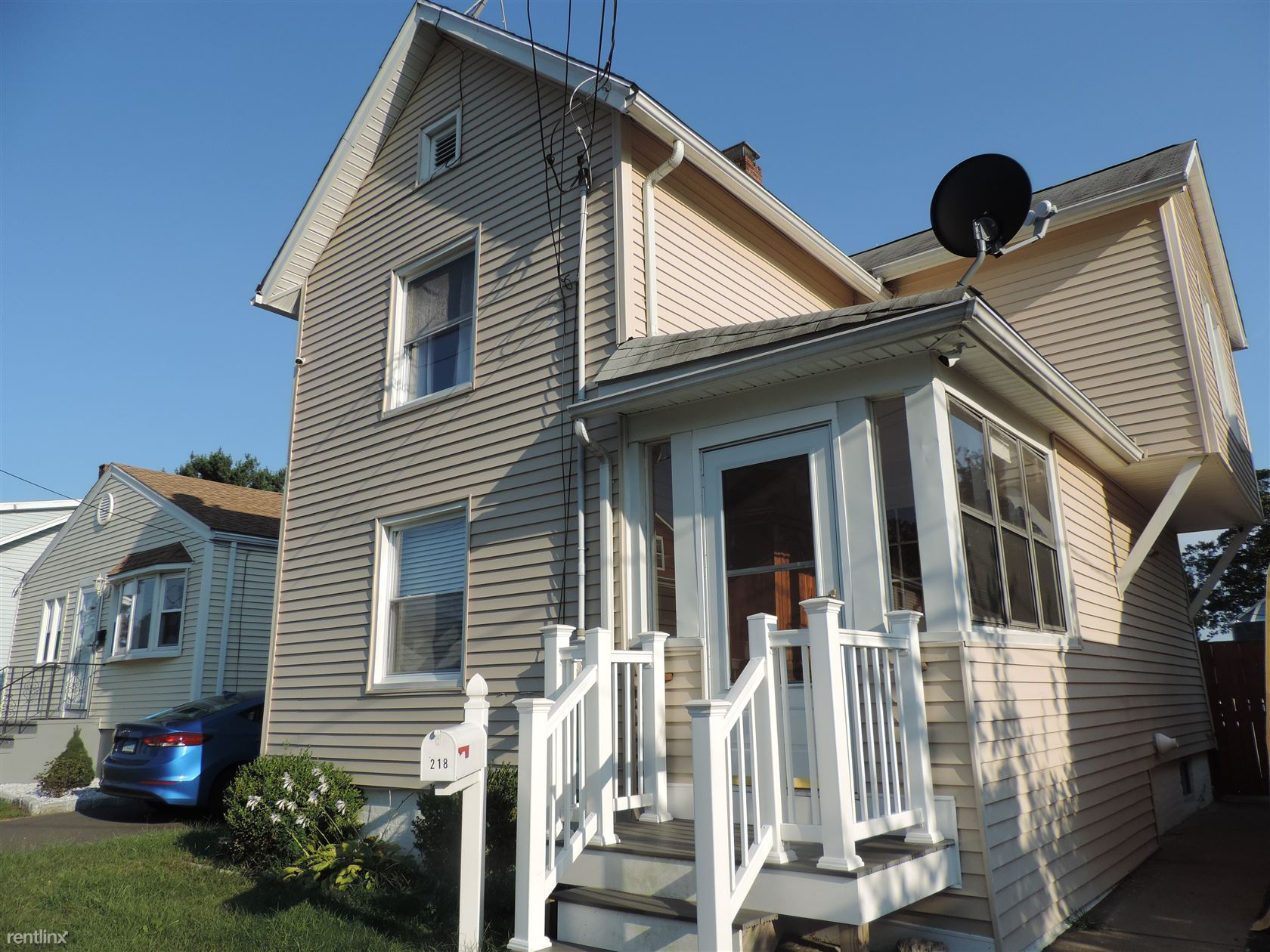 218 White St, West Haven, CT - 2,200 USD/ month